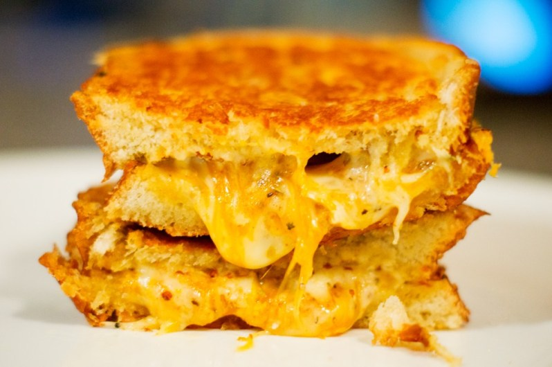 Grilled-Cheese-Sandwich-Featured